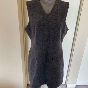 Eddie bauer women's size 14 wool / inner polyester lining gray vest dress.